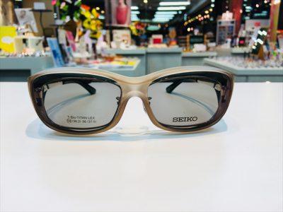 オーバーグラス<メガネの上から使えるサングラス>が売れてます